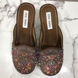 Steve Madden beaded embroidered clogs size 6